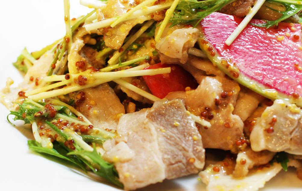 蒸し豚と水菜のハニーマスタードソース和え