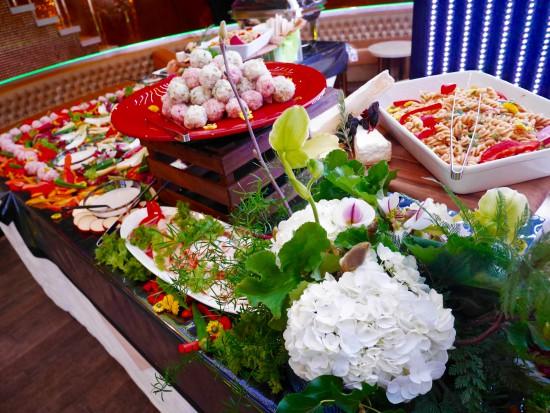 料理とお花のコラボ