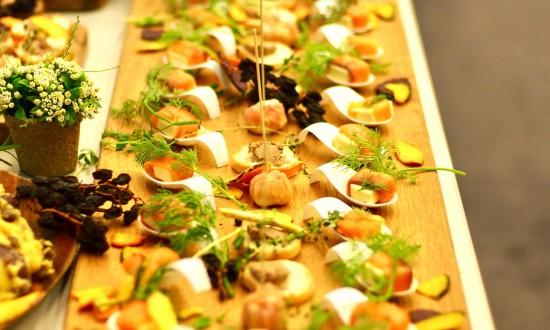 スモークサーモンとチーズのアミューズ・ブーシュ