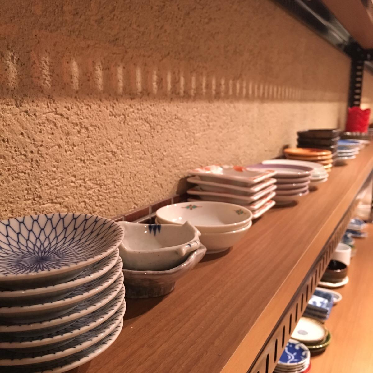 店内に並ぶ豆皿