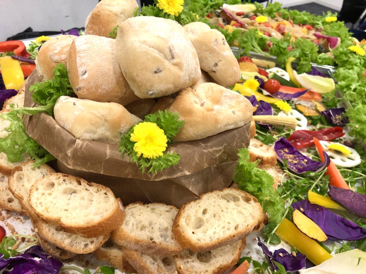 本日のパンの盛り合わせ